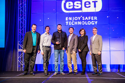 Rain Networks CEO Robert Siemons, third from left, at ESET's North America Partner Conference.